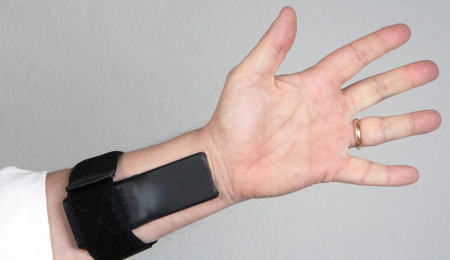 UFO4 wrist mount